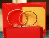 mücevherat bilezikler toptan satış-Titanyum Çelik Aşk Bilezikler gümüş gül altın Bilezik Kadın Erkek Vida Tornavida Bilezik Çift Takı kutusu set ile