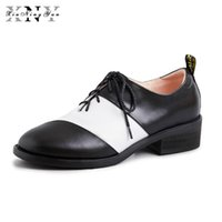 senhoras couro preto brogues venda por atacado-Mulheres Couro Genuíno Brogue Casual Designer Retro Vintage Flats Sapatos Handmade Oxford Sapatos para Mulher Preto 2019 Primavera