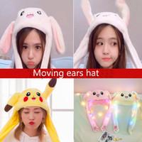 karikatür oyuncakları taşıyor toptan satış-Pikachu Şapka LED Renkli Hareketli Kulaklar Şapka Sevimli Karikatür Oyuncak Hava Yastığı Kızlar için Kawaii Komik Oyuncak Peluş Oyuncak Doğum Günü Hediyesi Şapka