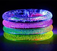 pulsera de colores flash al por mayor-Flash LED Pulsera Brillo Resplandor Luz Mano Palos del anillo Luminoso Gradiente de Cristal Colorido Brazalete Impresionante Fiesta de Baile Regalo de Navidad