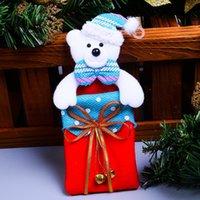 ingrosso borse da regalo in tessuto-Decorazioni dell'albero di Natale Sacchetto non tessuto Tessuti piccolo rosso campana regalo Borse Dot brillanti del pendente 2 1QY UU