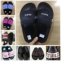 tasarlanmış erkek ayakkabıları toptan satış-Terlik Sandalet Tasarımcı Slayt En Kaliteli Tasarımcı Ayakkabı Hayvan Tasarım Adam Kadınlar Için Huaraches Çevirme Loafer'lar ayakkab ...