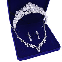 Wholesale necklaces three hearts resale online - Women s X002 bride jewelry wedding necklace crown three piece gift box for new headdress wedding dress accessories