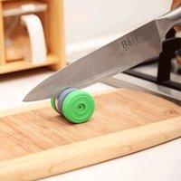 faca espátula venda por atacado-Atacado Magia Mini Portátil Cozinha Redonda Sharpener Faca Scissor Único Ferramentas Moedor H210319