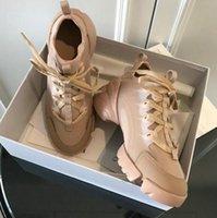 zapatos deportivos mujer flor al por mayor-zapatos casuales de diseñador de primavera y verano deportes Flores blancas negras Zapatos casuales de mujer con estampado de encaje fondo grueso 20