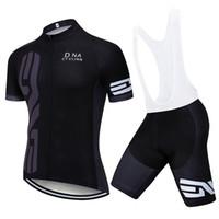 ingrosso jersey uci-2019 Pro UCI Team Uomini DNA Cycling Jersey Set Abbigliamento MTB Bicicletta Estate quick dry Road Bike Jersey Ciclismo Abbigliamento sportivo Ropa Ciclismo Y022101