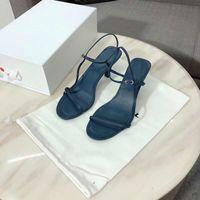 marine sandalen großhandel-2019 Frauen Designer Schuhe Sommer Bare Leder Sandalen Soft-Navy Leder 65mm elegante Schlanke Straps raschend komfortabel