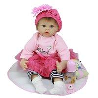 bebés recién nacidos al por mayor-Moda 22 Pulgadas Reborn Alive Baby Doll Lovely Princess New Born Girl Babies Doll Muñeca Realista Juguete Para Niños Pequeños Niños Regalos de Navidad