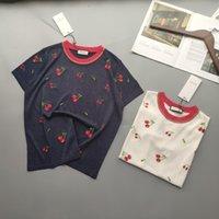 chemise col tricoté achat en gros de-T-shirt à manches courtes en maille brodée de cerises rouges, chemise en maille à manches courtes pleine de saveur enfantine, col rond bien conçu pour