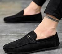 erkekler için kırmızı süet rulmanlar toptan satış-ÜCRETSIZ NAKLIYE Popüler Erkekler Rahat Ayakkabılar Mavi Kırmızı Erkek Tasarımcı Sneakers Metal Moda Erkek Loafer'lar Lüks Süet Deri Erkek Rahat ayakkabı