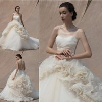 robes de mariage de plage dos volant achat en gros de-Ivoire robe de bal robe de mariage de plage sexy pure dos bretelles en tulle volants robes de mariée longueur de plancher robes de mariée simples