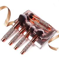 ingrosso set di pennelli di lusso-10 PZ Pennelli per trucco di lusso con borchie di diamanti Set Pennelli per trucco viso Pennelli per trucco professionale per ombretto con borsa