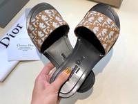 flip flop de baixo salto venda por atacado-Novas mulheres quentes Paris Flats Sandálias com Saco de Poeira Qualidade Chinelos Designers Sapatos Mocassins Moda Flip Flops Botas Sneakers