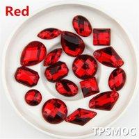 gemas acrílicas vermelhas venda por atacado-mista tamanho HOT 100PCS Red cor superior Taiwan Acrílico apartamento de volta Pedras misturar Forma Acrílico Rhinestone costurar em 2 Furos jóias DIY