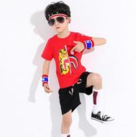 bebek oğlu serin kıyafetler toptan satış-Yüksek Qulity Çocuk Boys Giyim Suit aape Kısa Kollu T-shirt + Şort Pantolon 2 adet / takım Çocuk Yaz Giysileri Serin Erkek Bebek Kıyafetler