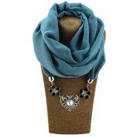 siyah emaye çiçek kolye toptan satış-Charms Kalp Kolye Kolye Vintage Antik Gümüş Siyah Emaye Çiçek Eşarp Kadınlar Için Noel Kolyeler