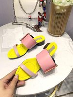 ingrosso casual sandali colore giallo-Summer Fashion Donna Mules Scarpe Fibbie Multicolor Ladies Casual Gladiatore Sandali Scarpe Yellow Pink Female Runway Pantofole Scarpe Sapatos