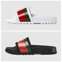 erkek boyutu 39 siyah ayakkabı toptan satış-2019 Yeni Lüks Tasarımcı Erkekler Yaz Siyah Beyaz Kauçuk Terlik Plaj Slayt Moda Scuffs Sandalet Kapalı Ayakkabı Boyutu 40-45