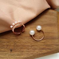 anel de ouro 2pcs venda por atacado-Simulado Pérola Ajustável Anéis Para As Mulheres Do Partido Jóias Cor de Ouro 2 PCS Anel Simples Anel Aberto conjunto bague femme