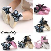 calzados infantiles rosa al por mayor-Las muchachas del bebé en rosa metálico de la hoja resbalón en los zapatos de la mariposa zapatos de bebé bebé caliente nuevo para niños mariposa Decoración niñas