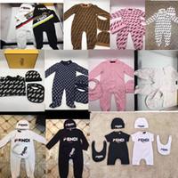 boutique-spielanzug großhandel-Neugeborenen Strampler FF Marke Overall + Hut + Lätzchen 3 Stücke Set Jungen Mädchen Luxus Designer Body Boutique Baby Klettern Kleidung C9301