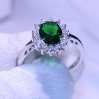 smaragd ringt diamanten großhandel-Funkelnder Modeschmuck Niedliche Prinzessin Ring Reine 100% 925 Sterling Silber Smaragd CZ Diamant Edelsteine Mädchen Frauen Ehering Ring