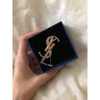 gold-liebesbrosche großhandel-Frauen Designer Brief Brosche Gold Letter Y Brosche Anzug Revers Pin Geschenk für Liebe Hemd Zubehör Berühmte Brosche Schmuck