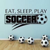 futbol çıkartmaları toptan satış-Vinil Pencere Sticker Futbol Topu Futbol Duvar Çıkartmaları Yiyin Uyku Oyna Kelimeler Duvar resmi Çocuk Odası Spor Dekorasyon Duvar Posteri