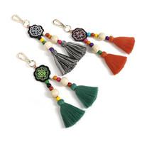 bois ethnique achat en gros de-2109 nouvelle mode porte-clés gland porte-clés perles en bois massif ornements broderie de style ethnique sac pendentif bijoux fabriqués en Chine