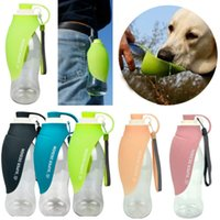 ingrosso viaggio di design della bottiglia d'acqua-Pet Dog Water Bottle Pet Supplies 580ml Leaf Design Travel Bere Alimentatore Water Cup Bowl Outdoor Pet Water Dispenser WX9-1417