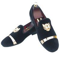 zapatos blancos hebillas de oro hombres al por mayor-Hombres hechos a mano holgazanes de terciopelo zapatillas con el vestido de boda de la hebilla del oro de los zapatos slip-on Smoking pisos con inferior rojo Negro Blanco Azul Rojo