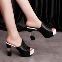 муле засовывают тапочки оптовых-Женщины Sexy Высокий каблук мулов башмаков Черный Peep Toe платформы Мулы Ladies Leather Sole Тапочки Femal скольжению на сандалии обувь YUI235