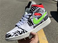 renkli üst üst spor ayakkabılar toptan satış-2019 Tasarımcı lüks yeşil kırmızı Iki renkli logo Graffiti Yüksek Bir Basketbol ayakkabıları beyaz Erkek Eğitmenler Ayak 1 s Sneakers Süper Lig 5-12