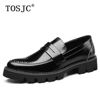 роскошное платье оптовых-TOSJC New Mens Penny Loafers High Quality Breathable Dress Shoes Carvd Brogue Oxfords for Man  Wedding Office Formal Shoes