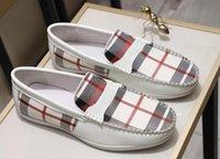 zapatos de cuero para hombre a pie al por mayor-Marca Mocasines para hombre Bur Casual Walk mocasín-gommino Resbalón de cuero real impermeable en zapatos de negocios EU38-44