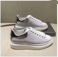 фирменные названия квартир оптовых-Новый дизайнер бренд мужчин Повседневная обувь на плоской мода мятая кожа кружево-вверх низкая вырезать тренеров беглых обувь Арена xrx17110301