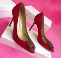 sapatos para noiva venda por atacado-2019 sapatos de casamento de festa de grife de alta qualidade noiva mulheres senhoras sandálias moda sexy dress shoes dedo apontado salto alto couro glitter