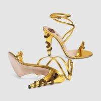 diseño de zapatos de damas de la boda al por mayor-Nuevo anuncio de lujo 2019 diseño de la venta caliente serpiente tacones de aguja 10 cm sandalias zapatos de fiesta de las señoras arco zapatos de boda 4 sandalias de color