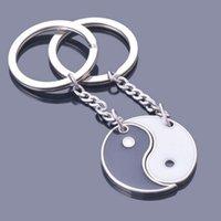ingrosso porcellana della catena dello smalto-Cina Yin Yang portachiavi smalto nero bianco paio portachiavi fascino per chiavi portachiavi anello gioielli regali uomini donne portachiavi