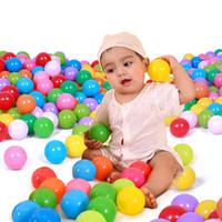 renkli okyanus topu toptan satış-Oyuncak 25/50 adet / 100 adet / grup Renkli Yumuşak Plastik Okyanus Komik Bebek Çocuk Yüzmek Çukur Oyuncak Su Havuzu için Okyanus Dalgası Top Oyuncaklar Çocuk