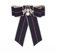 yay sanat toptan satış-Papyon Şerit Broş Hayvan Şerit Yay Broş Yaka Kravat Aksesuarları Kadınlar için Uzun Iğne Broş Kumaş Sanat Elbiseler Suit Kelebek
