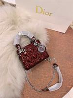 ingrosso nuovi sacchetti cosmetici di stile-2019 nuovo stile squisito donne borsa a tracolla moda donna sutra borsa secchiello classico borsa cosmetica classica borsa retrò # 008