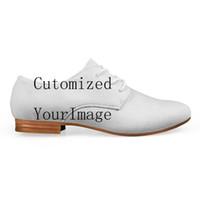 imágenes de vestimenta casual de hombres al por mayor-Imagen personalizada LOGOTIPO Imprimir Cuero sintético Hombres Zapatos casuales Color mixto Novedad Oxfords Zapatos Hombre con cordones Pisos Vestido