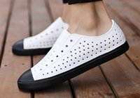 sandalias cubiertas dedos al por mayor-Envío libre nueva llegada del verano Casual Zapatos Hombres Jefferson agujero zuecos de playa del dedo del pie transpirable tapa que cubre las sandalias