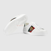 женщина спортивная повседневная обувь оптовых-Дешевые Мужчины Женщины Кроссовки Повседневная Обувь Роскошный Змея Дизайнер Низкие Кожаные Кроссовки Ace Bee Stripes Обувь для Ходьбы Спортивные Кроссовки Тигр