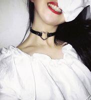 ingrosso colletto in pelle di cuoio-Collana girocollo con borchie a forma di cuore punk in pelle PU con rivetto Collana con colletto con fibbia Regalo per gioielli da donna