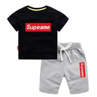 ingrosso vestiti di marca bebe-T-shirt e pantaloncini per bebè e ragazzi Tute per neonato Tute per bambini Set di abbigliamento caldo Abbigliamento estivo per bambini