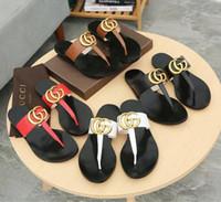 hakiki sandal erkekler toptan satış-Erkek Kadın Mektup Metal Toka Çiftler Ayakkabı Flip-Flop Hakiki Patent Deri Düz Terlik Sandalet Kutusu Ile 35-45