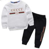 veste das pcs do terno das meninas venda por atacado-Novo Logotipo de Luxo Designer COCO menino menina Two-piece Suit Crianças Marca 2 pcs de Algodão Conjuntos de Roupas 2-7 Idade Traje para enfants