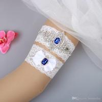mavi gelin jartiyer setleri toptan satış-Gelin Garters Mavi Kristal Boncuk Yay 2 adet Set Beyaz Dantel Gelin Düğün Garters Bacak Garters Için Artı Boyutu Stokta Ucuz